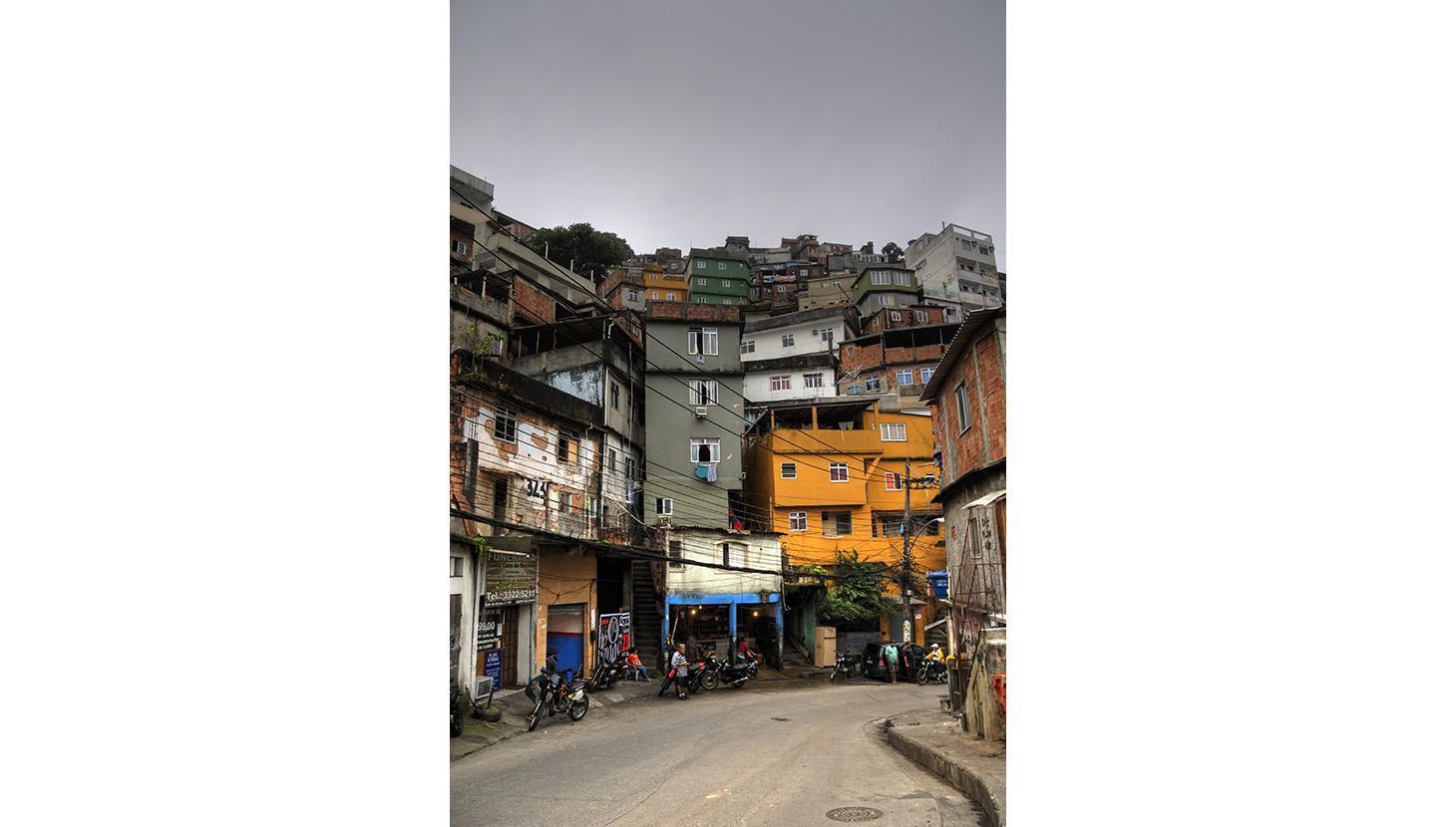 rio-slums-mariusz-kluzniak-2 (1)