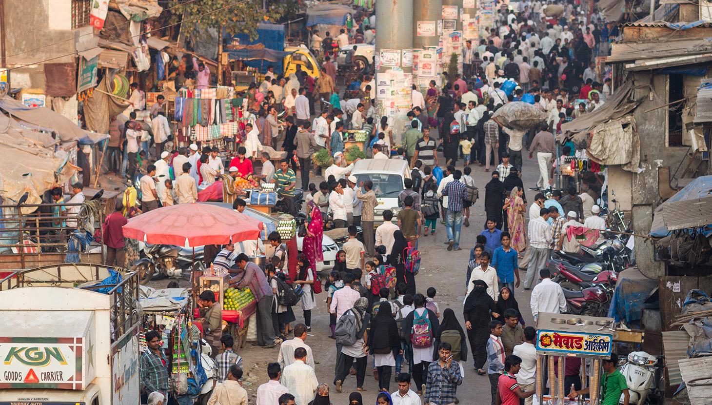 In contrast, the streets of Dharavi, Mumbai ph. Adam Cohen