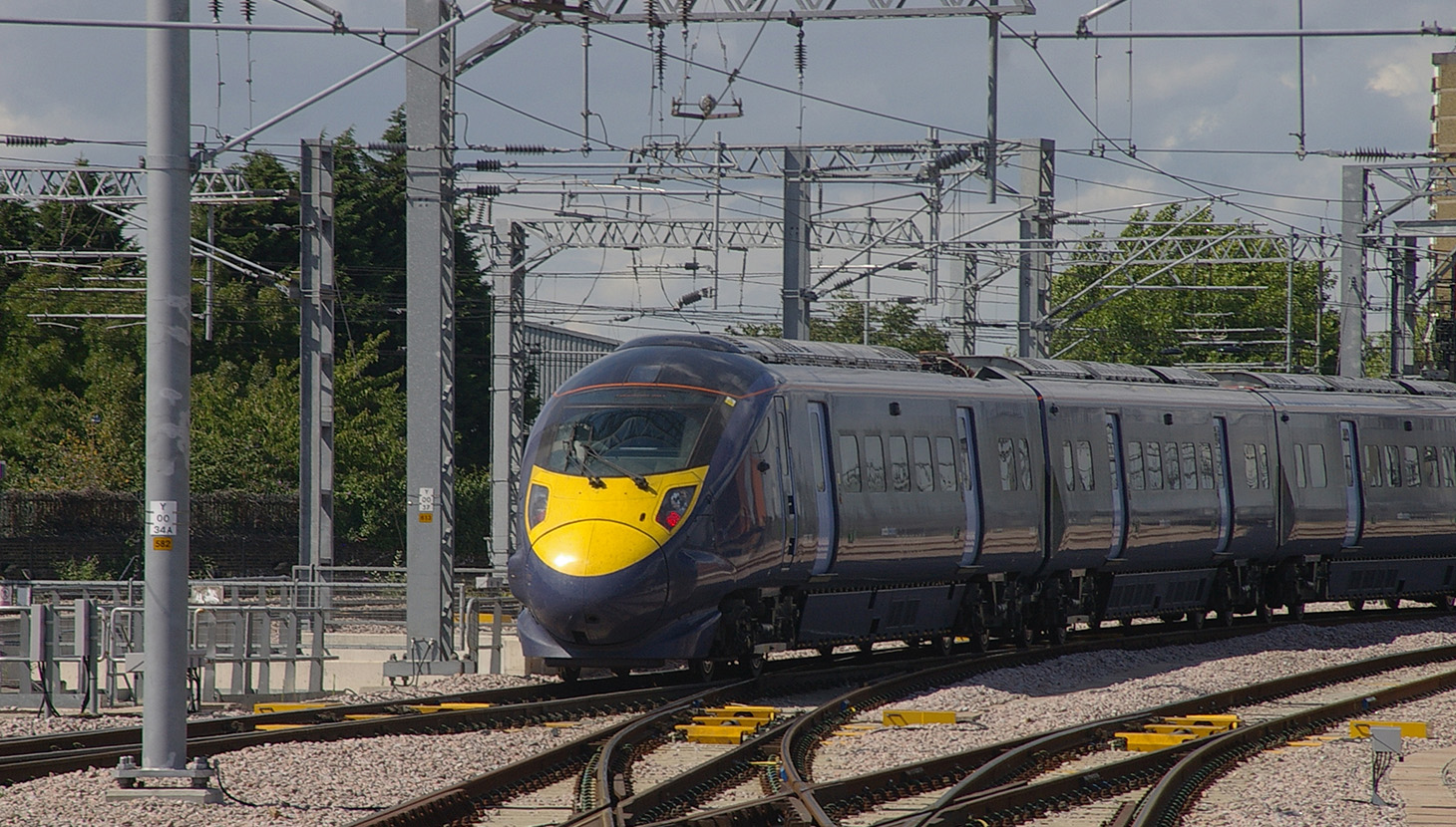 High Speed One rail at Ebbsfleet ph. Wol1908