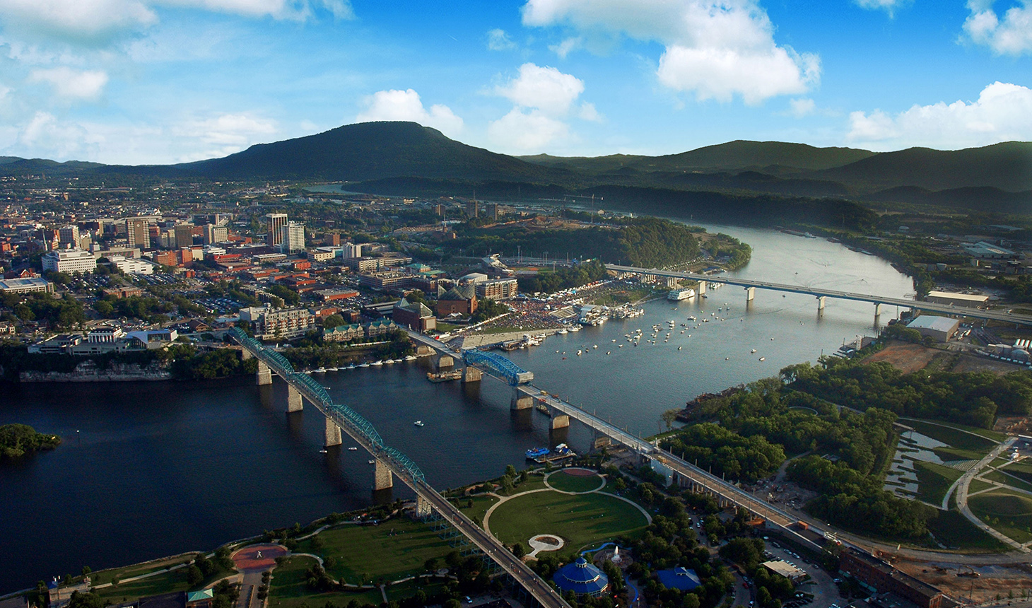 Chattanooga's Riverfront during the annual Riverbend Festival ph. Chattanooga Convention Visitors Bureau